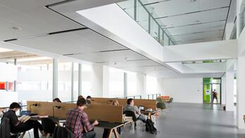 KUA Københavns University Amager Sonar X-edge 1200x600 1800x600 Rockfon 2013